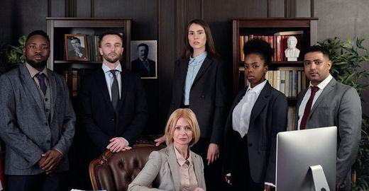 Precisa de um advogado? Veja dicas para contratar o profissional certo para você!