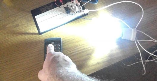 Arduino: acendendo uma lâmpada com controle remoto